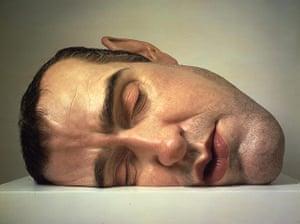 Sculpture: Ron Mueck - Mask II, 2001-2002