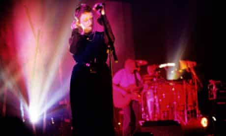 Photo of Elizabeth FRASER and COCTEAU TWINS