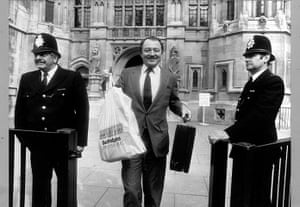 Ken Livingstone: Ken Livingstone MP leaving the House of Commons with his work