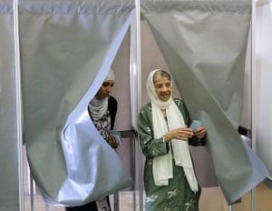 European elections: Women vote at a polling station in Saint-Denis de la Reunion