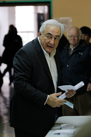 Elections: Former IMF head Dominique Strauss-Kahn places his vote