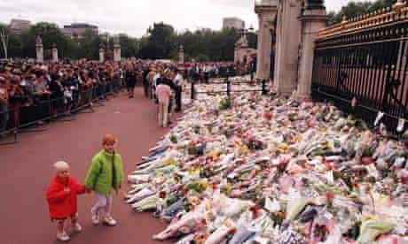 Princess Diana mourners at Buckingham Palace