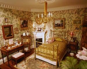 Dolls' houses: Lady Alesón's bedroom