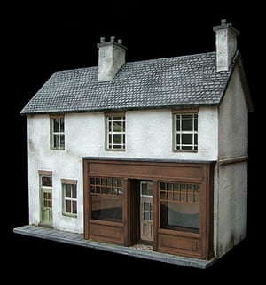 Dolls' houses: A doll's house by Petite Properties