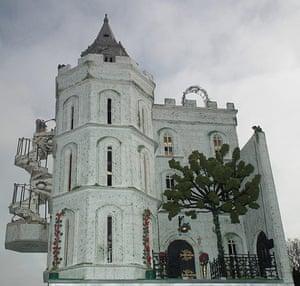 Dolls' houses: Fantasy castle exterior