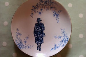 Readers' art: Britain: Queen on a plate