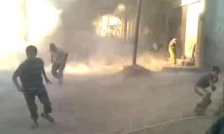 Houla residents flee shelling