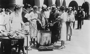 A breadline in theUS in 1930