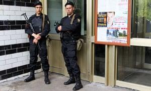 Alexei Navalny's apartment raided