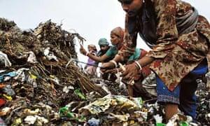 Waste pickers in Delhi