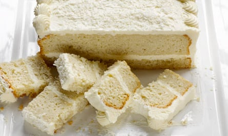 Coconut mascarpone cake