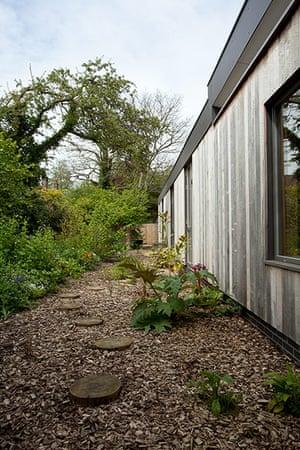Homes - Eco House: Homes - Eco House: Garden