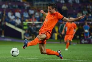 sporty3: Netherlands v Germany - Group B: UEFA EURO 2012