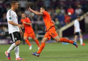 sporty8: Netherlands v Germany - Group B: UEFA EURO 2012