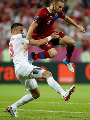 Group A3: Poland's Wojtkowiak challenges Czech Republic's Kadlec