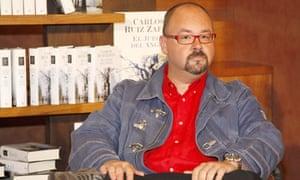 Carlos Ruiz Zafon Promoting his Book 'El Juego Del Angel', Barcelona, Spain - 16 Apr 2008