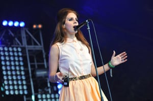 Lovebox day 3: Lana Del Rey on stage at Lovebox