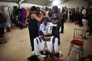 Dakar fashion week: Senegalese model Sachakara Dieng has her hair done