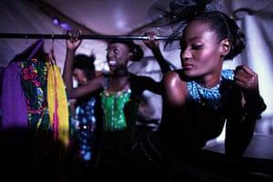 Dakar fashion week: Models wait backstage during Dakar Fashion Week