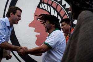 UN Rio+20: Rio de Janeiro's mayor Eduardo Paes with Indigenous leader Marcos Terena