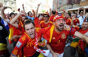 Group C final games: The Spanish fans are in full voice in Gdansk