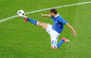 spain game: Claudio Marchisio acrobatically brings the ball under control
