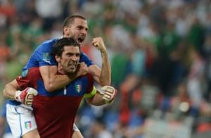 spain game: Italian goalkeeper Gianluigi Buffon and