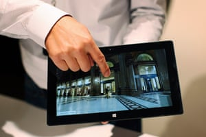 Microsoft Surface tablet: A Microsoft representative scrolls the screen of the new Surface tablet