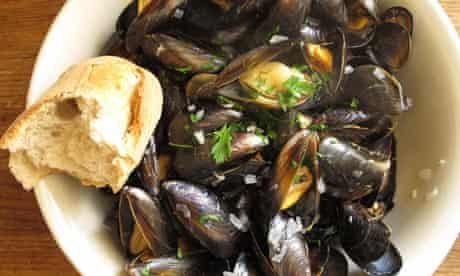 Felicity's perfect moules marinieres