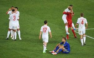 group d4: England win