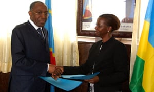 Congolese foreign minister Raymond Tshibandaf with Rwanda counterpart Louise Mushikiwabo June 2012