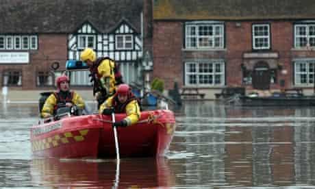 Water levels rise in Tewkesbury