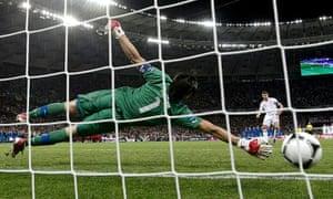 sport17: England's Gerrard