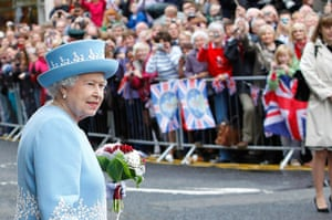 Queen: Royal visit to Northern Ireland