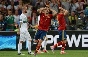 sport3: Spanish defender Alvaro Arbeloa (C) reac
