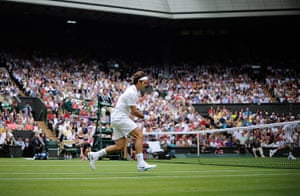 Day 3 Wimbledon: Delicate touch from Roger Federer at Wimbledon 2012