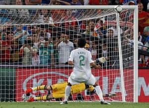 sport13: Portugal's Alves fails to score
