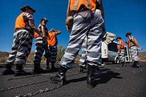 All-female chain gang: Shackled and Drawn: Arizona's All-Female Chain Gang