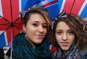 Jubilee pageant update: Girls with Union Jack lipstick