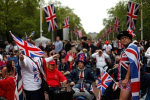 Diamond Jubilee day 2: Union Jack flags galore, as people wait on the Mall