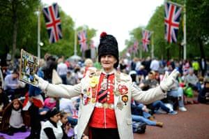 Diamond Jubilee day 2: Royal fan William Wallace waits on The Mall