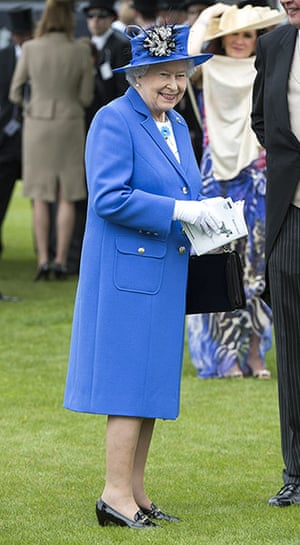 Jubilee fashion: The Queen at Epsom Downs racecourse