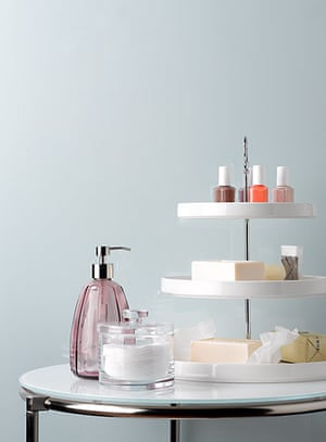 Homes Organisation: Homes Organsiation Feature: Bathroom products – out on a cake stand