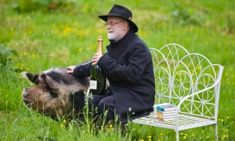 Terry Pratchett and a pig at Hay Festival 2012