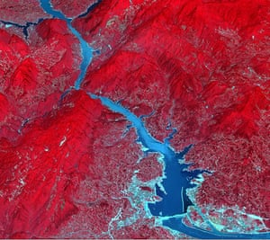 Satellie Eye on Earth: The Three Gorges Dam spans the Yangtze River