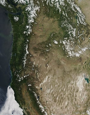 Satellie Eye on Earth: clear skies above the Pacific Northwest from Washington to Utah