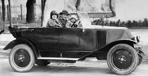 Gatsby: The Fitzgeralds Going for a Drive