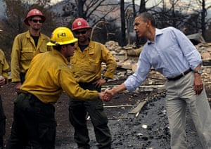 Wildfires in Colorado: US president Barack Obama visits firefighters