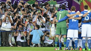 sport4: Photograpers take pictures of the Italia
