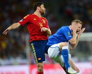 sport5: Italian defender Ignazio Abate (R) vies